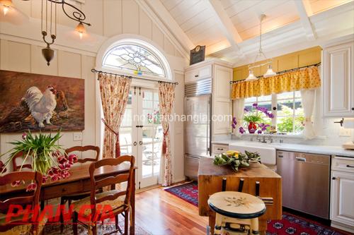 Thiết kế nội thất nhà bếp nhẹ nhàng với rèm cửa